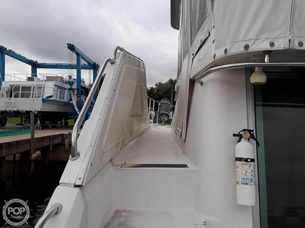 1989 Cruisers Yachts boat for sale, model of the boat is 4280 Express Bridge & Image # 14 of 40