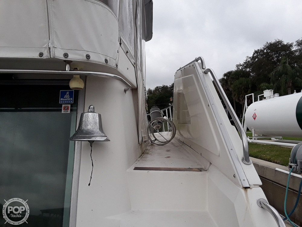 1989 Cruisers Yachts boat for sale, model of the boat is 4280 Express Bridge & Image # 15 of 40