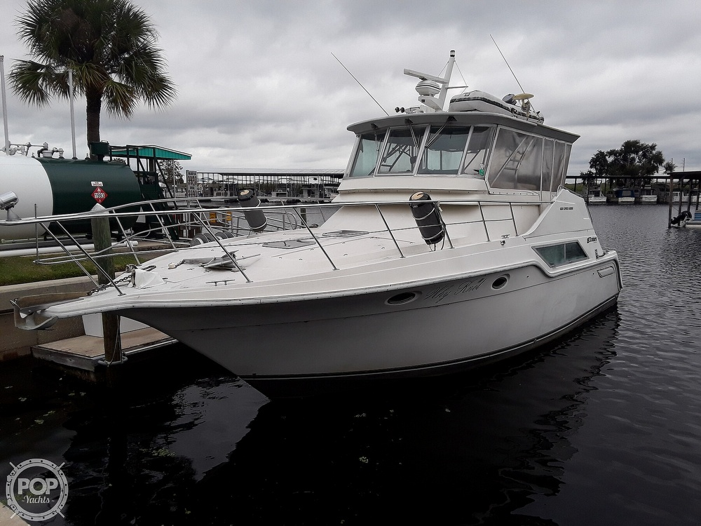 1989 Cruisers Yachts boat for sale, model of the boat is 4280 Express Bridge & Image # 5 of 40