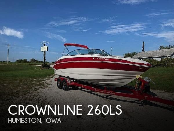 Used Boats For Sale in Iowa by owner | 2010 Crownline 26