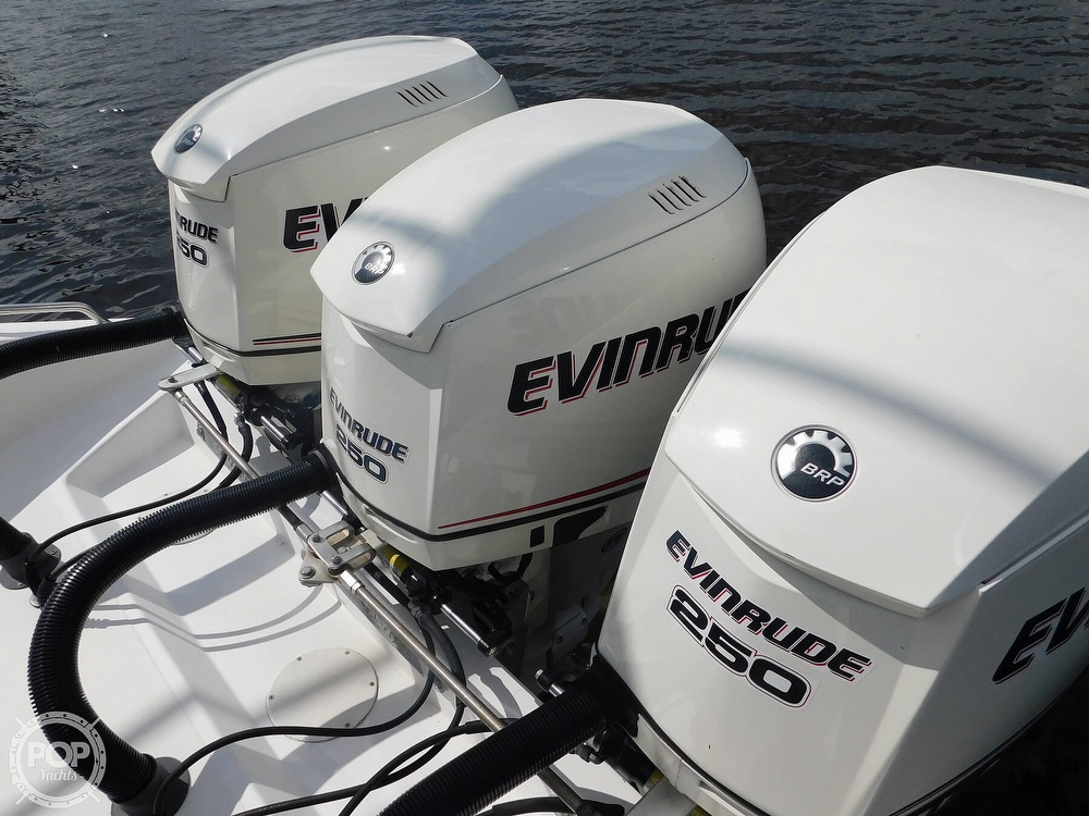 2006 Dakota boat for sale, model of the boat is 360SF Center Console & Image # 3 of 40