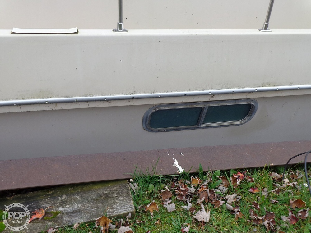 1989 Holiday Mansion boat for sale, model of the boat is Baracuda 38 & Image # 13 of 40