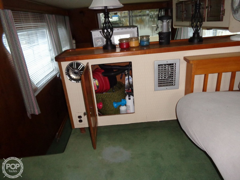 1989 Holiday Mansion boat for sale, model of the boat is Baracuda 38 & Image # 20 of 40