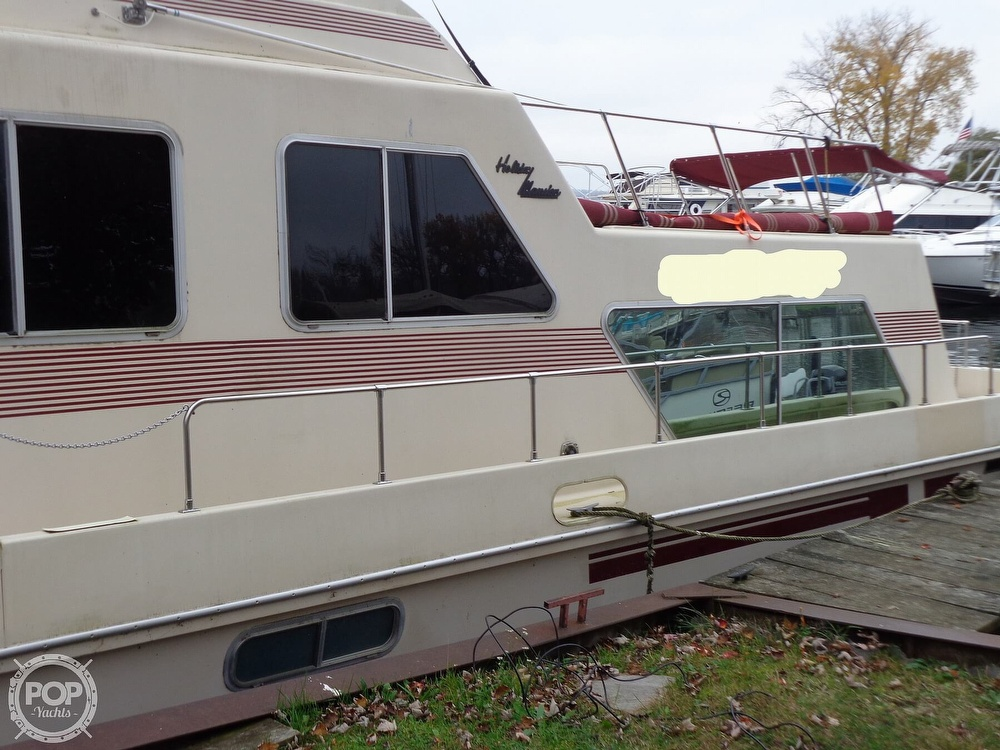 1989 Holiday Mansion boat for sale, model of the boat is Baracuda 38 & Image # 3 of 40