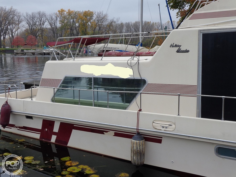 1989 Holiday Mansion boat for sale, model of the boat is Baracuda 38 & Image # 2 of 40