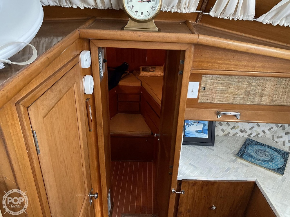 1969 Hatteras boat for sale, model of the boat is 41 TC & Image # 38 of 40