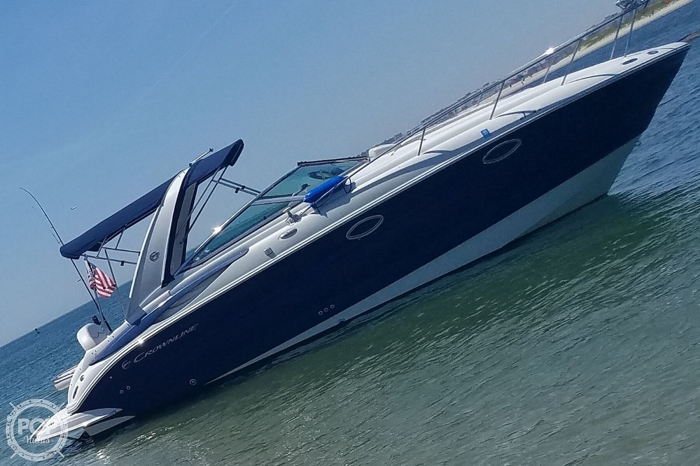 2008 Crownline boat for sale, model of the boat is 270 CR & Image # 13 of 14