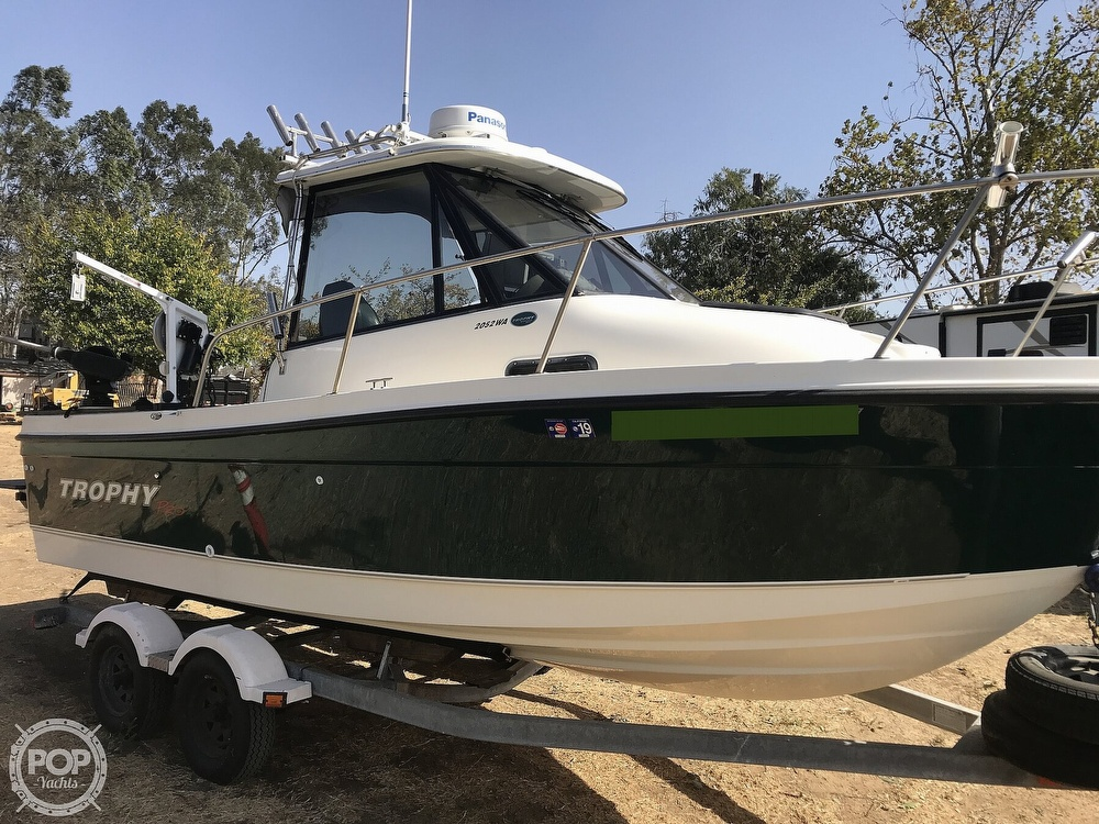 2005 Trophy boat for sale, model of the boat is Pro 2052 WA & Image # 2 of 41