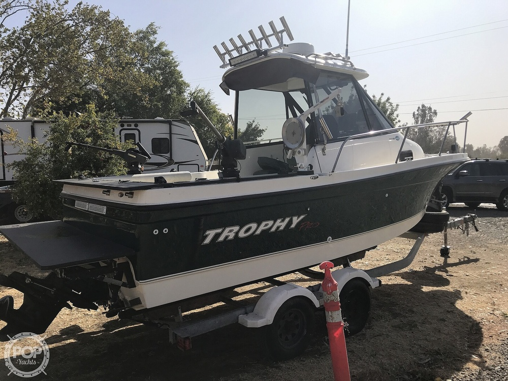 2005 Trophy boat for sale, model of the boat is Pro 2052 WA & Image # 10 of 41