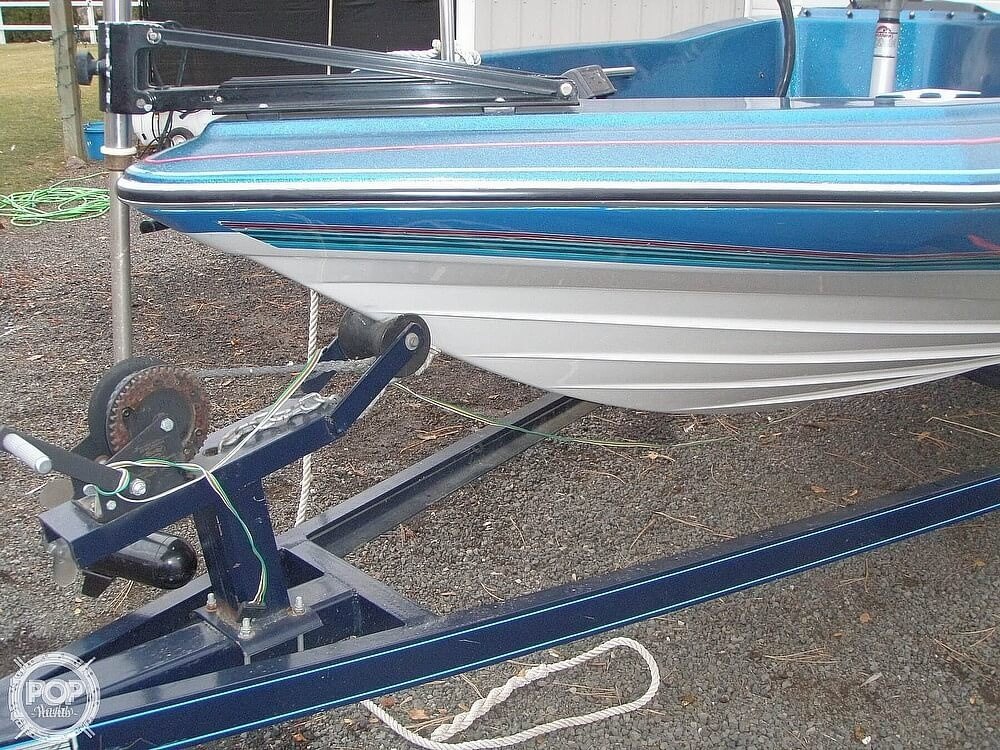 1988 Bayliner boat for sale, model of the boat is Bass Trophy 1810 Fish & Ski & Image # 7 of 41