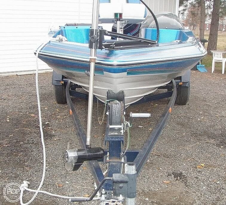1988 Bayliner boat for sale, model of the boat is Bass Trophy 1810 Fish & Ski & Image # 3 of 41