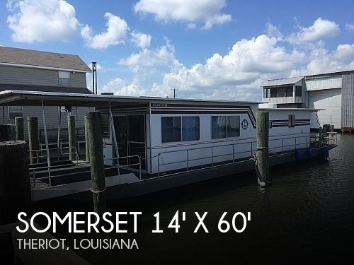 Used Houseboats For Sale in Louisiana by owner | 1984 Somerset 14' X 60'