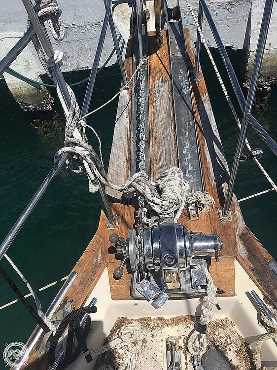 1990 Island Packet boat for sale, model of the boat is 38 & Image # 5 of 20
