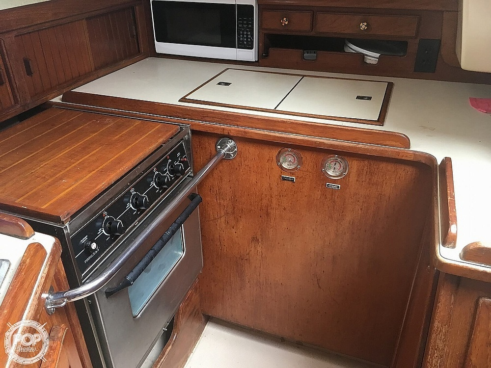1990 Island Packet boat for sale, model of the boat is 38 & Image # 11 of 20