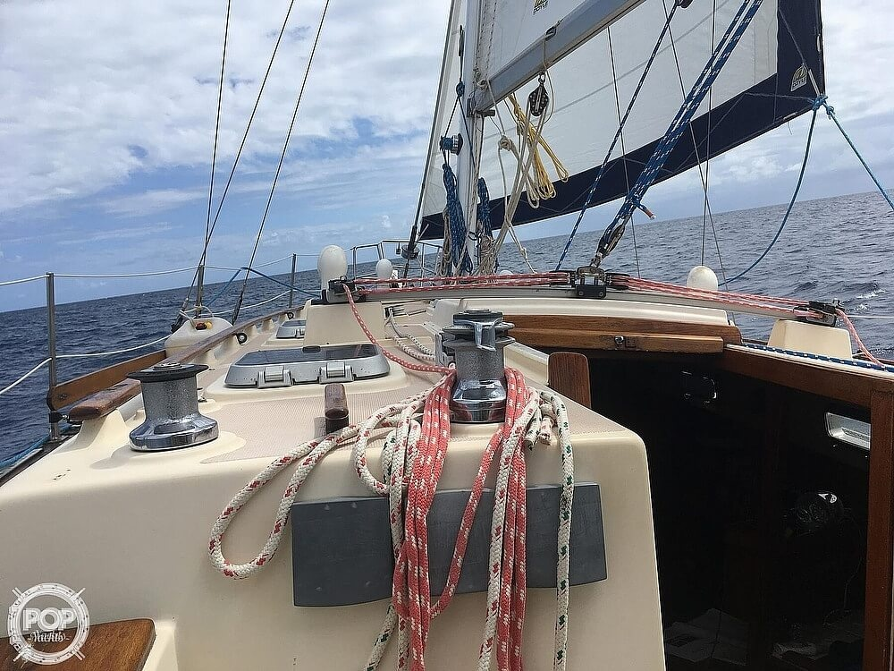 1990 Island Packet boat for sale, model of the boat is 38 & Image # 16 of 20