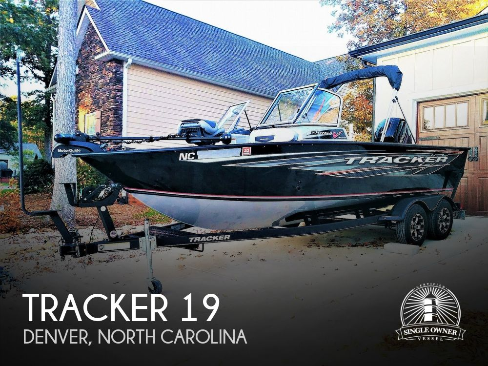 2018 Tracker Boats boat for sale, model of the boat is Targa V19 Combo 40th Anniversary Edition & Image # 1 of 40