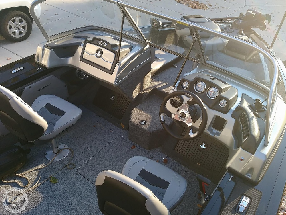 2018 Tracker Boats boat for sale, model of the boat is Targa V19 Combo 40th Anniversary Edition & Image # 11 of 40