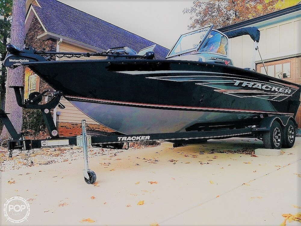2018 Tracker Boats boat for sale, model of the boat is Targa V19 Combo 40th Anniversary Edition & Image # 6 of 40