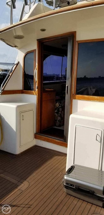 1988 Ocean Yachts boat for sale, model of the boat is 38 Super Sport & Image # 5 of 40