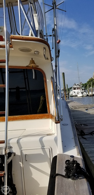 1988 Ocean Yachts boat for sale, model of the boat is 38 Super Sport & Image # 12 of 40