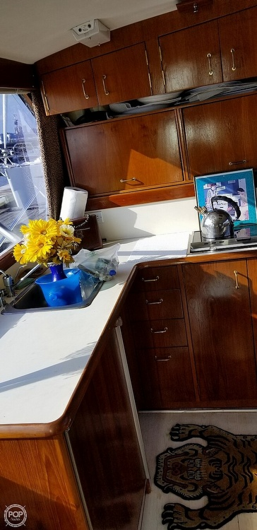 1988 Ocean Yachts boat for sale, model of the boat is 38 Super Sport & Image # 10 of 40