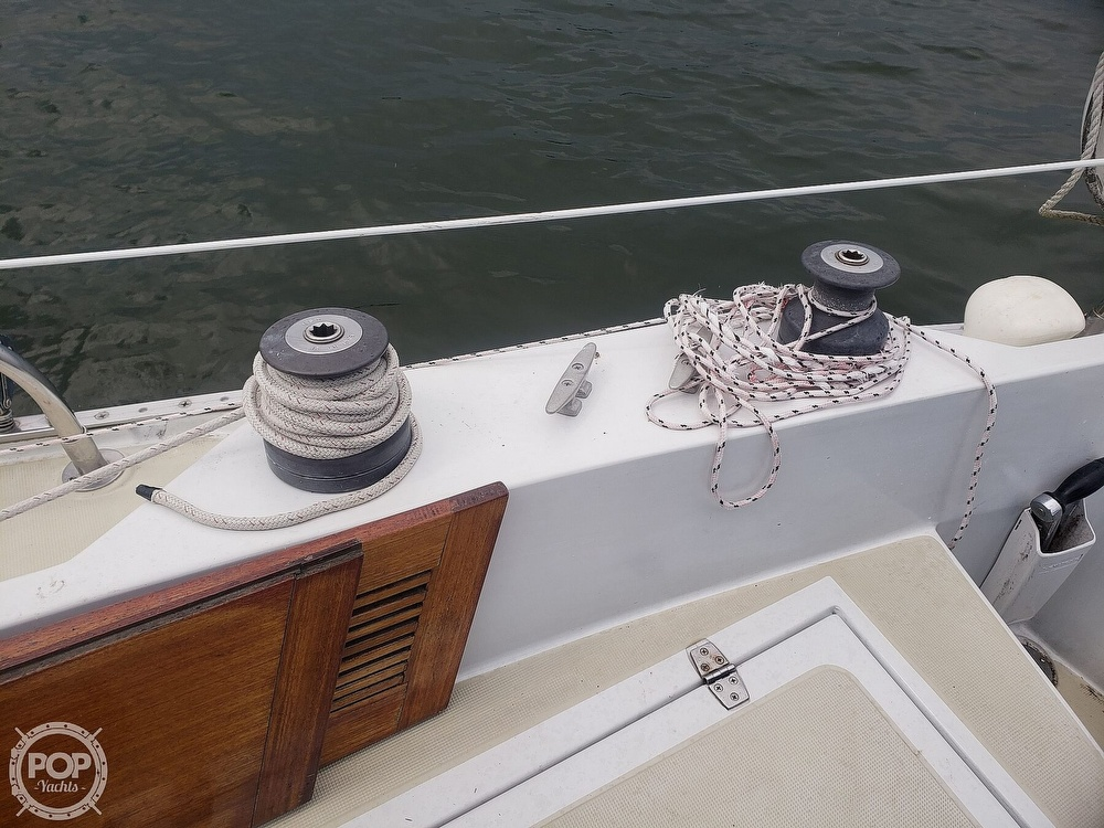 1983 Ericson Yachts boat for sale, model of the boat is 30 & Image # 13 of 40