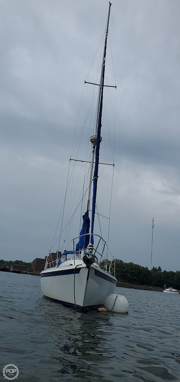 1983 Ericson Yachts boat for sale, model of the boat is 30 & Image # 12 of 40