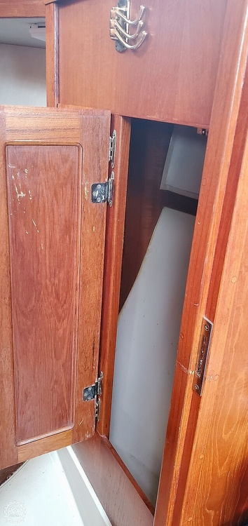 1983 Ericson Yachts boat for sale, model of the boat is 30 & Image # 14 of 40