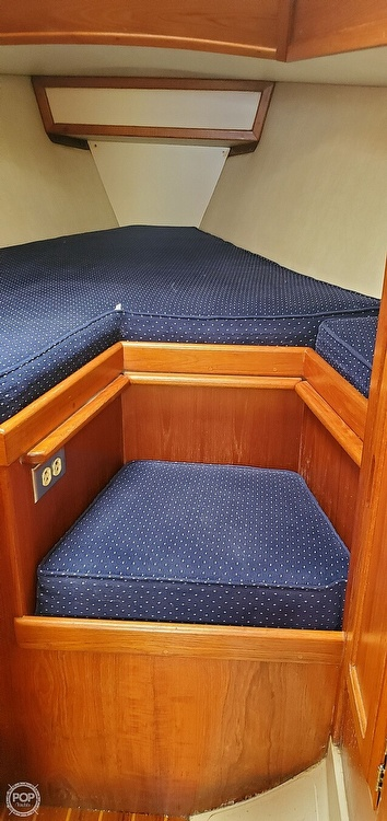 1983 Ericson Yachts boat for sale, model of the boat is 30 & Image # 16 of 40