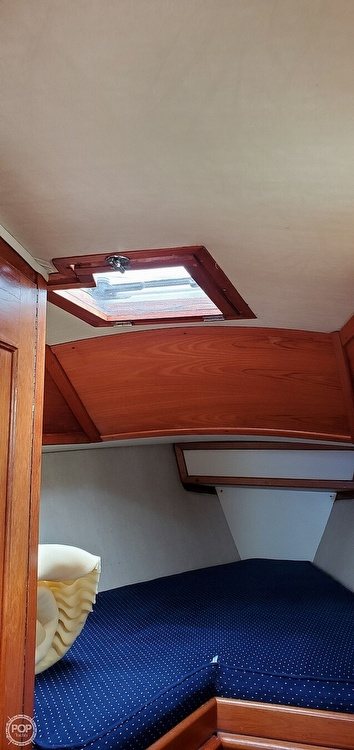 1983 Ericson Yachts boat for sale, model of the boat is 30 & Image # 17 of 40