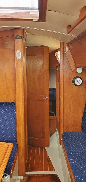 1983 Ericson Yachts boat for sale, model of the boat is 30 & Image # 19 of 40