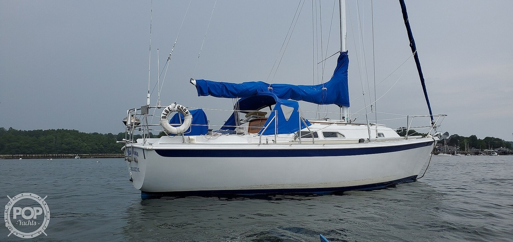 1983 Ericson Yachts boat for sale, model of the boat is 30 & Image # 10 of 40