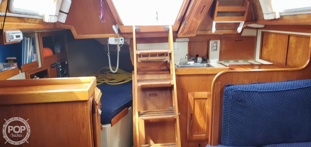 1983 Ericson Yachts boat for sale, model of the boat is 30 & Image # 23 of 40