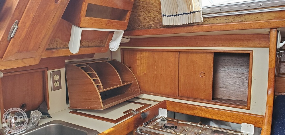 1983 Ericson Yachts boat for sale, model of the boat is 30 & Image # 26 of 40