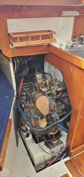 1983 Ericson Yachts boat for sale, model of the boat is 30 & Image # 29 of 40