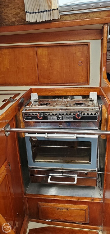 1983 Ericson Yachts boat for sale, model of the boat is 30 & Image # 30 of 40