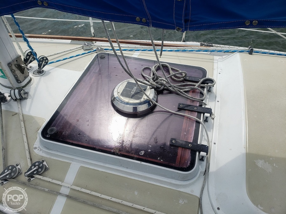 1983 Ericson Yachts boat for sale, model of the boat is 30 & Image # 31 of 40