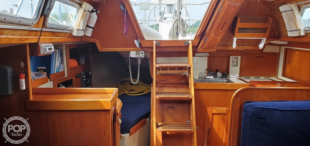 1983 Ericson Yachts boat for sale, model of the boat is 30 & Image # 35 of 40