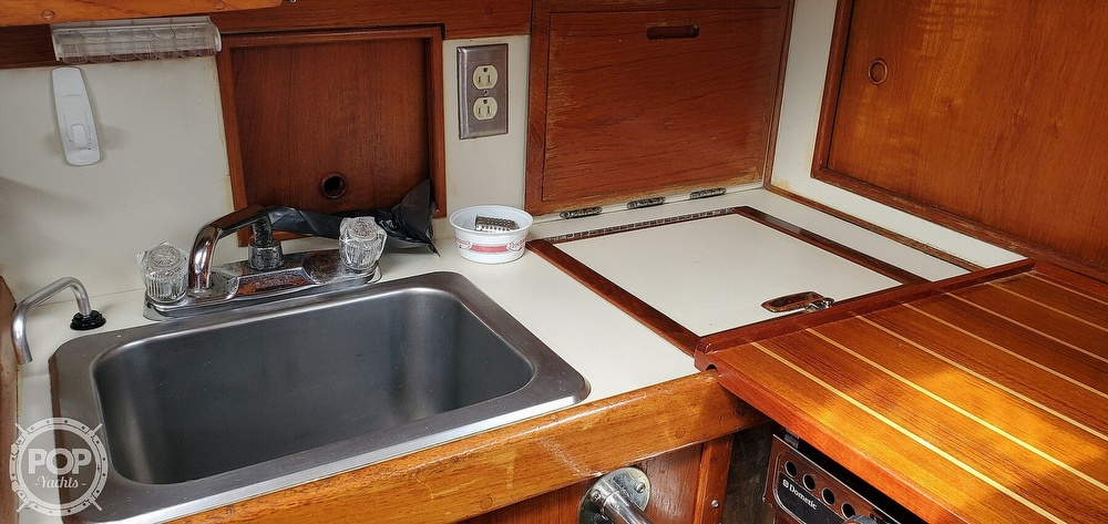 1983 Ericson Yachts boat for sale, model of the boat is 30 & Image # 36 of 40