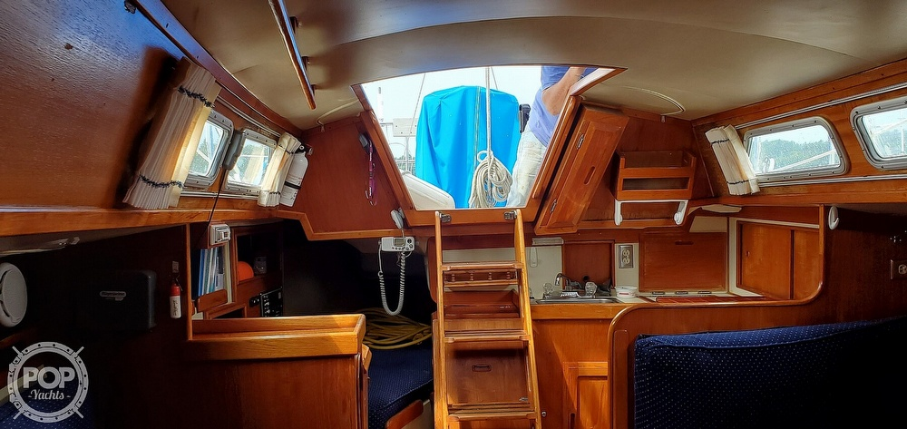 1983 Ericson Yachts boat for sale, model of the boat is 30 & Image # 38 of 40