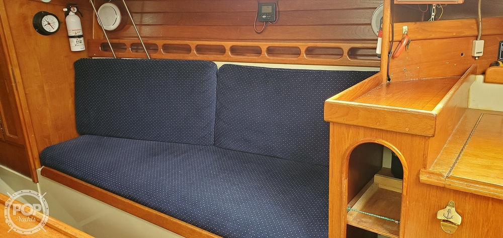 1983 Ericson Yachts boat for sale, model of the boat is 30 & Image # 39 of 40