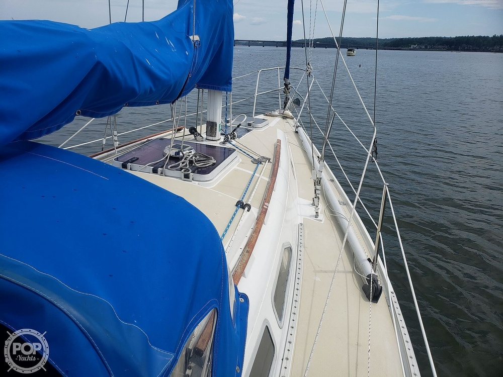1983 Ericson Yachts boat for sale, model of the boat is 30 & Image # 4 of 40
