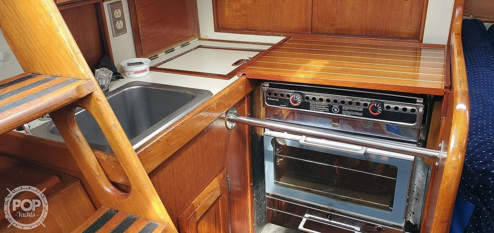 1983 Ericson Yachts boat for sale, model of the boat is 30 & Image # 40 of 40
