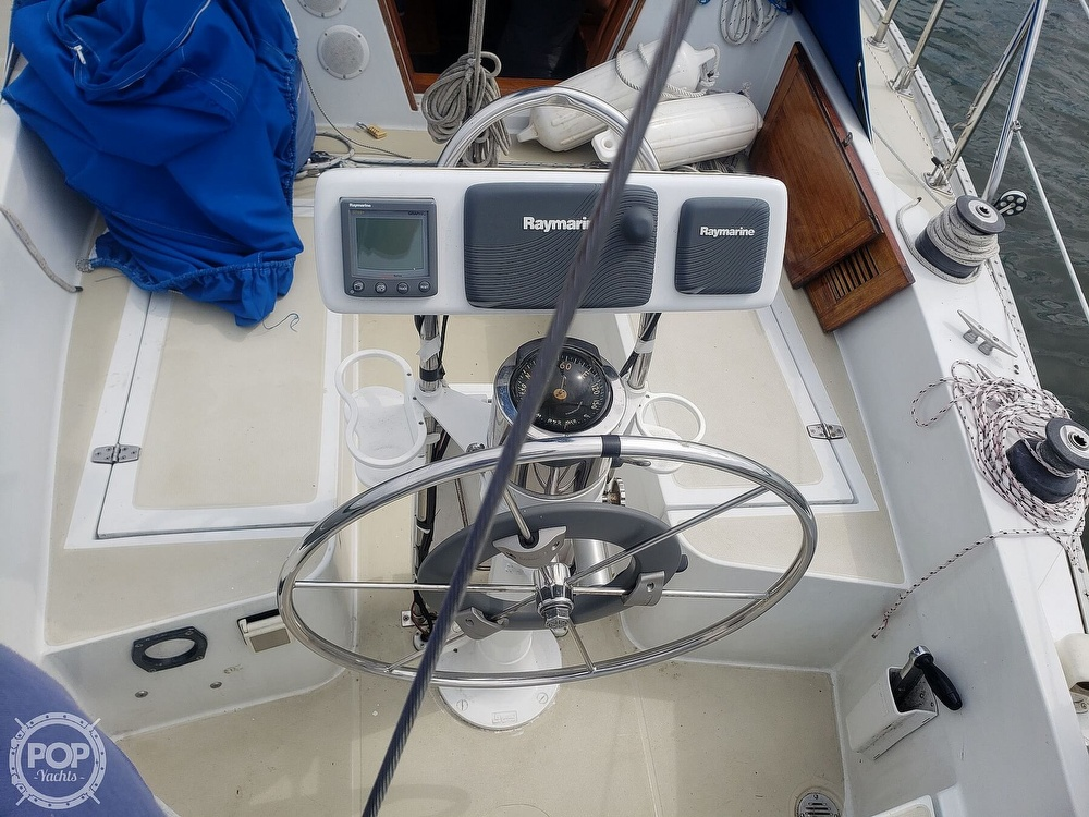 1983 Ericson Yachts boat for sale, model of the boat is 30 & Image # 7 of 40