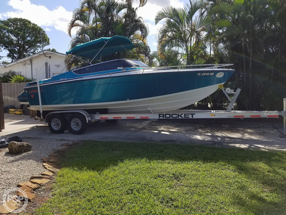 1989 Formula boat for sale, model of the boat is 242 SS & Image # 17 of 40