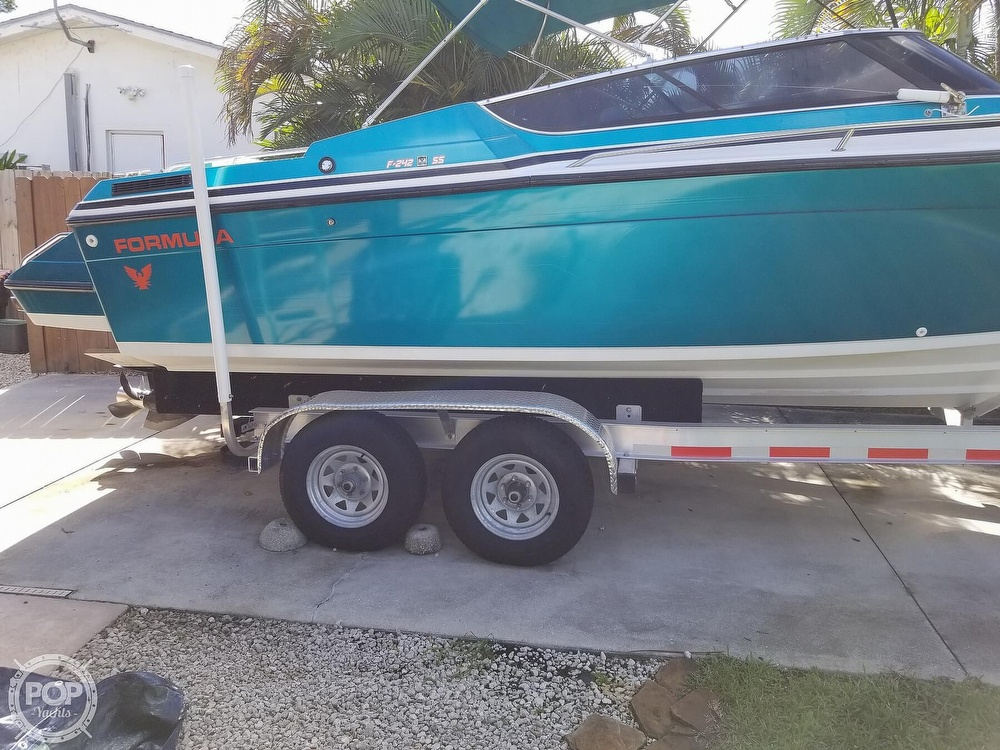 1989 Formula boat for sale, model of the boat is 242 SS & Image # 18 of 40
