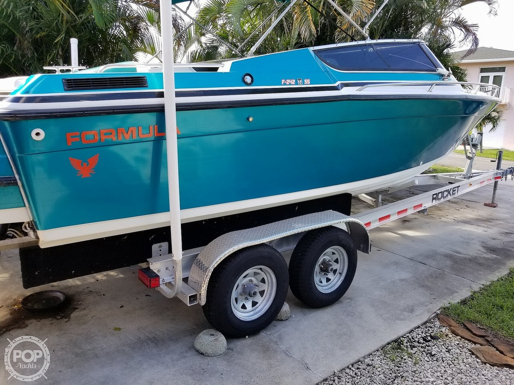 1989 Formula boat for sale, model of the boat is 242 SS & Image # 3 of 40