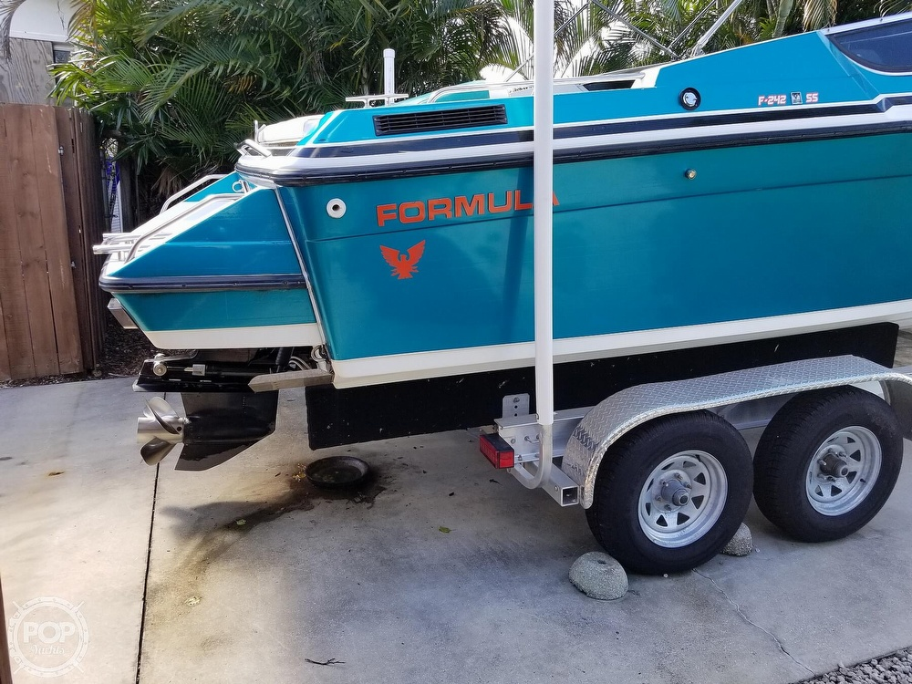 1989 Formula boat for sale, model of the boat is 242 SS & Image # 19 of 40
