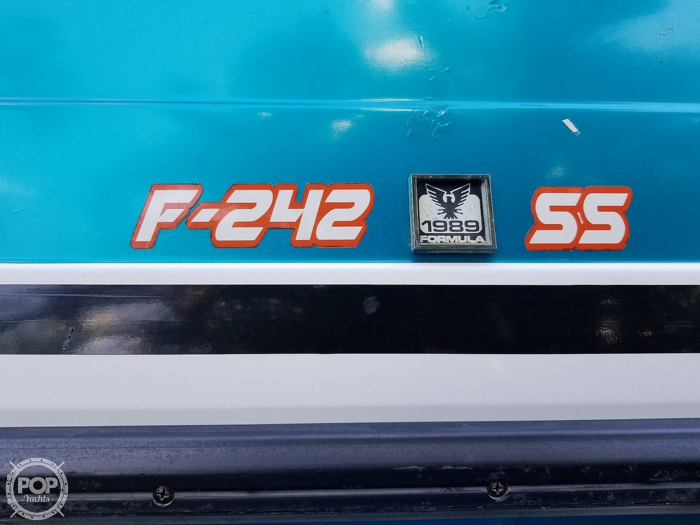 1989 Formula boat for sale, model of the boat is 242 SS & Image # 32 of 40