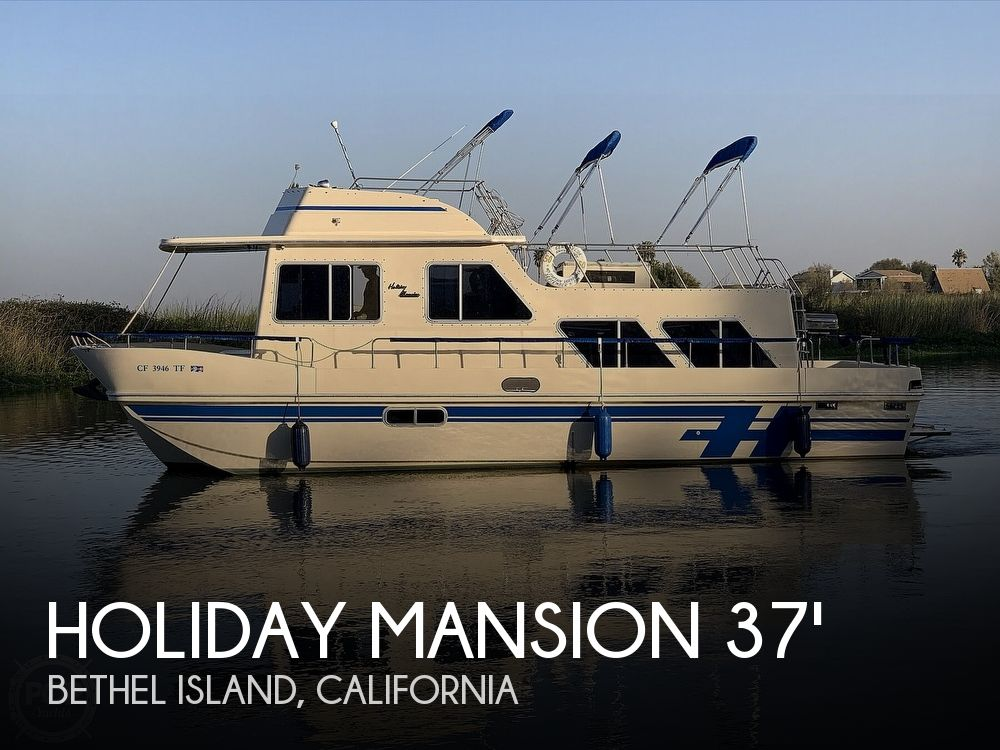 Used Houseboats For Sale in Vallejo, California by owner | 1987 38 foot Holiday Mansion Coastal Baracuda